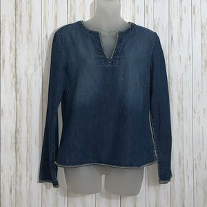 Size M Old Navy Denim Popover Blouse